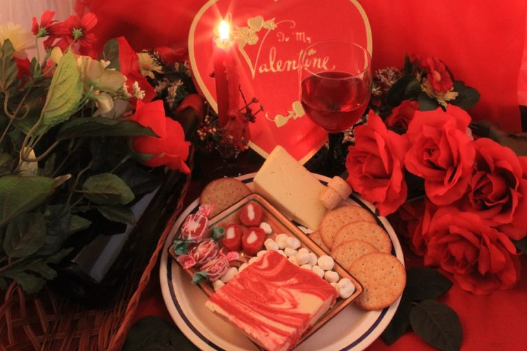 & Valentines Day Gift Box for Her | Valentine Gift Ideas