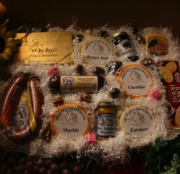 Gift-Box-6-Amish-Country-Sampler-Gift-Box-620x600