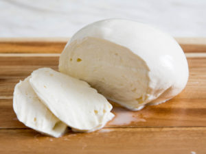 3 Uses for Mozzarella – Let's Try Homemade Cheese Today!